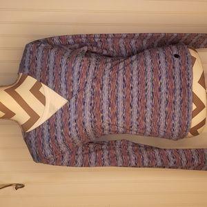 The Northface Long Sleeve Criss Cross Vee Neck Shirt Size Large**